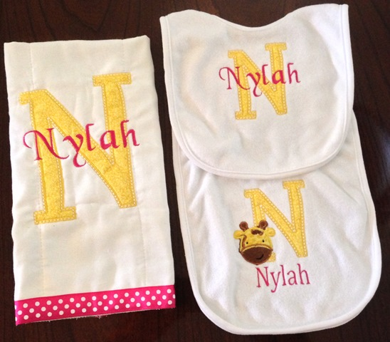 Bib Burp Cloth Set - Embroidered Personalized Giraffe for Baby #BB189